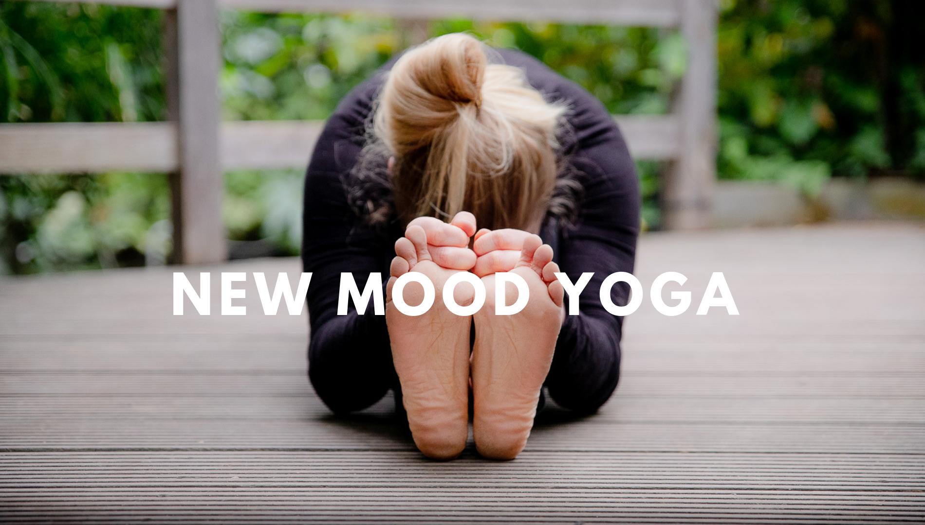 new-mood-yoga-lucie-lelievre(c)delphine-yogaphotomaton